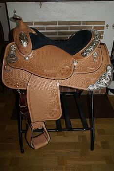 Dale Chavez Show Saddle